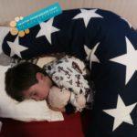 houding baby bij op zij slapen